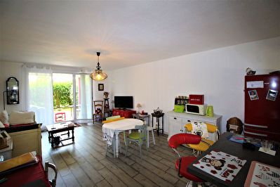 TEXT_PHOTO 1 - EN EXCLUSIVITE :  CREON : Appartement de type 3  avec jardin
